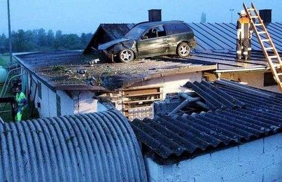 92530320 - Accidentes bizarros de coches