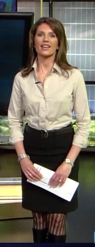 Maria LaRosa hot legs